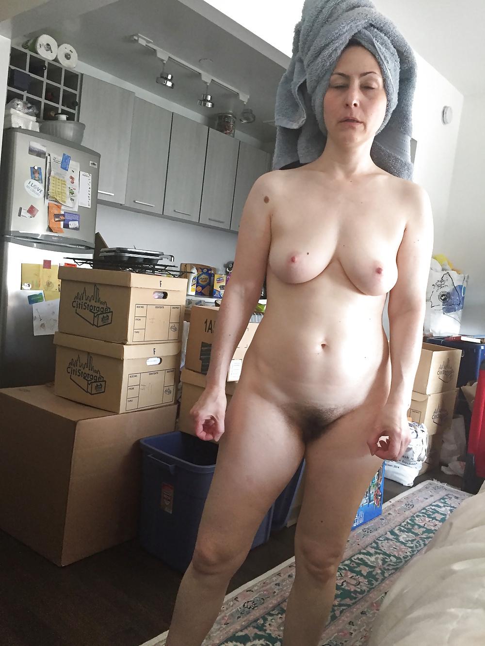 Ausgehungerte Nutten in freien Nacktbildern