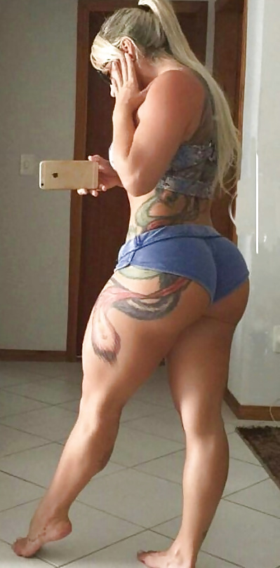 Amateure dicke Muschis sind stolz auf ihren Körper.