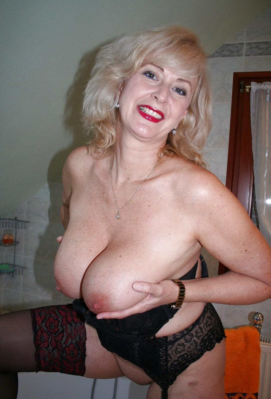 Gratis Nacktbilder von mega Büsten
