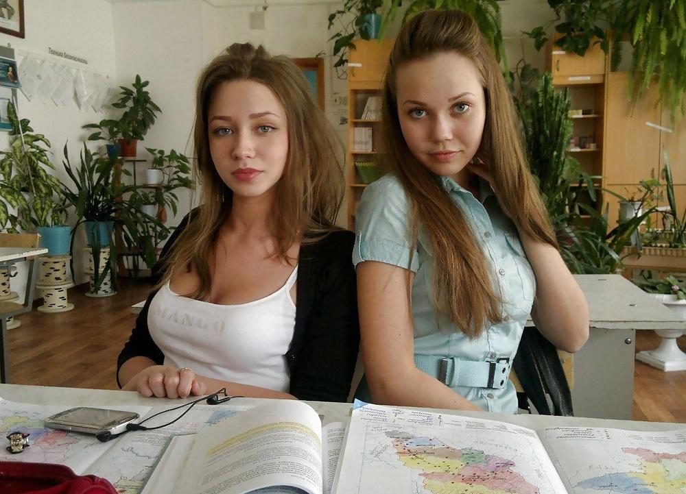 Geile junge Mädchens in gratis Aktfotos