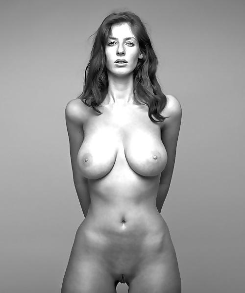 Busen schauspielerinnen mit nackt großen Große Titten: